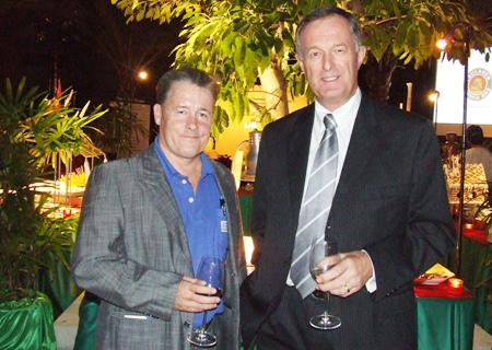 (L to R)  David W. Smith, director of Aqua Logic (Thailand) Co., Ltd.; and David O'Callaghan, from the New Zealand Thai Chamber of Commerce Executive Committee.