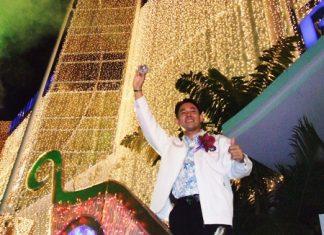 Mayor Itthiphol Kunplome kicks off the holiday season by lighting the 15-meter-tall Christmas tree at Royal Garden Plaza.