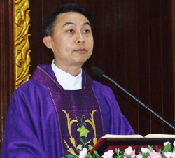 Peter Srivorakul C.Ss.R. officiates the Annual Service of Remembrance at St Nikolaus Church in Pattaya.