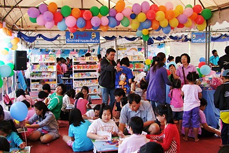 Each year, Chonburi City Hall organizes many educational activities for local children.