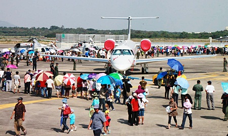 "Hundreds of families ""invade"" U-Tapao International Airport on Children's Day."