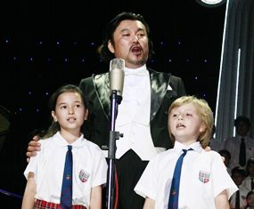 Korean tenor Kim Jun Man was joined on stage by young students from The Regents School.