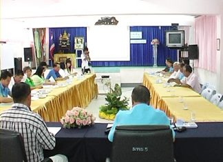 Pattaya City Council's education committee discuss School No. 5's pavilion-construction project.
