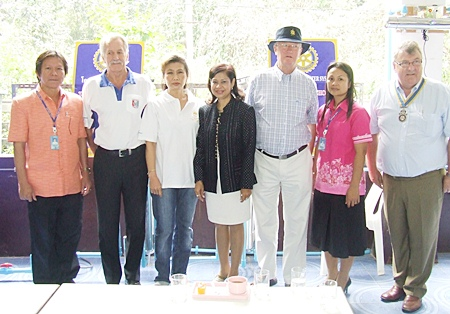 The adults were just as happy to see the children get clean water. (l-r) Prasert Pimonsakul Director of Pattaya School No. 1, William Macey Charity Chairman of the PSC, Nittaya Patimasongkroh, Chairwoman, YWCA Bangkok Pattaya Centre, Jintana Maensurin, Pattaya City Director of the Centre for Religious and Cultural studies, Philip Wall Morris, Community Service Director, Rotary Club of Jomtien-Pattaya, Suree Boonraksa, Deputy Director, Pattaya School No. 1 and Richard Haughton, President of the Rotary Club of Jomtien-Pattaya.