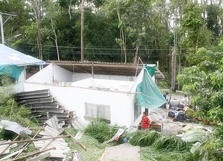 Violent winds and heavy rain damaged homes and businesses last week.  Meanwhile, Pattaya residents whose homes were damaged can collect up to 10,000 baht each from the city for emergency repairs.