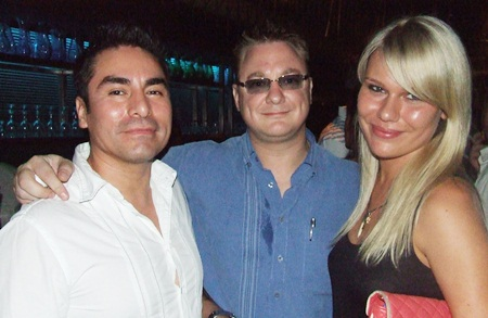 Alex Trysllo, Janek Keersalu and Ms Oxana discuss hot properties in Pattaya.