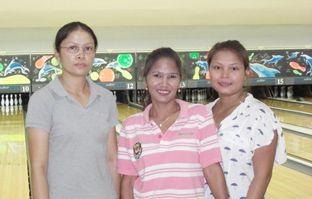 200 Bowlers:  Mai, Ooy & Aht.