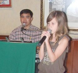 Little Linnea Fagrell delivers a moving rendition of 'My heart will go on'.