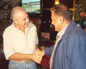 Peter Malhotra (right) past president of PSC pays his respects to Dick Caggiano, respected mentor of the Pattaya Sports Club Association.