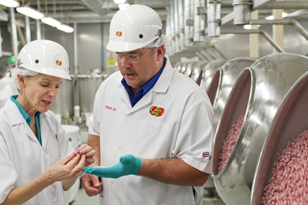 Herman G. Rowland, the great, great grandson of the founder of Jelly Belly, and Ambassador Kenney talk about how Jelly Belly's are made.
