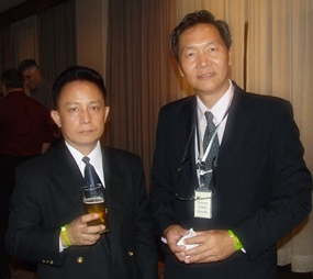 Business executives Suthon Thijai (HMA) and Piyawin Sukondhavich (Bliss Thai Asset Co., Ltd.) feel very much at home at the Lighthouse networking event.