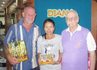 (Left-right) Diana Seniors and Ladies April winners Freddy Starbeck and Amphon Phuiphon with the scribe Nigel Cannon.
