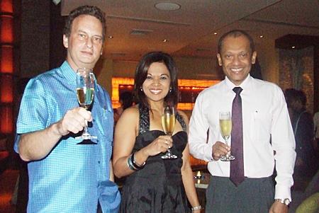 Jonathon Glonek welcomes Chitra and Ranjith Chandrasiri, president of the Royal Cliff Wine Club.