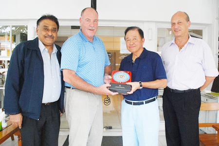 Philippe Guenat-Patry (2nd left), Member of Parliament (Geneva Switzerland) and hotelier extraordinaire, operating many hotels in Switzerland including his flagship the Hotel des Nations in Geneva, having also spent many years as the GM of the Royal Garden Group of hotels in Pattaya and other cities in Thailand, recently paid a courtesy call on HE Sutham Phanthusak (2nd right), proprietor of the Woodlands Resort to congratulate him on his appointment as Senator to serve in the Thai parliament. Accompanying him were long-time friends Peter Malhotra (left), MD Pattaya Mail and veteran hotelier Philippe Delaloye (right).