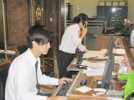 Sangjin worked at the Four Seasons Place Hotel, Pattaya.