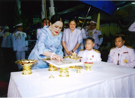 (9 December 2010) Her Majesty the Queen representing His Majesty the King, presiding over the Ceremony to lay the Foundation Stone of Bhumisiri Mangkhalanusorn Building, Chulalongkorn Hospital, the Thai Red Cross Society, Bangkok.