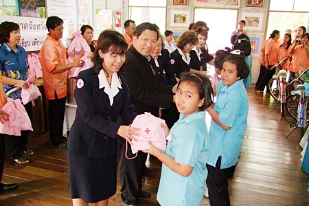 The Chonburi Red Cross is distributing first aid kits to schools throughout the province to promote better health.