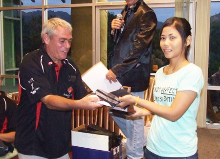 Hong Prathumtip won the Ladies Division with an outstanding 43 points.