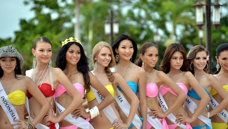 Contenders line up for the Supermodel of Asia-Pacific swimsuit competition at the Royal Cliff Beach Resort in Pattaya on Saturday, Sept. 17.