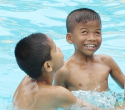 Enjoying the fun at Pattaya Park.