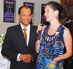 Ranjith Chandrasiri, president of deVine Club entertains Charlotte Read, Asian marketing manager of Villa Maria Estate in New Zealand.