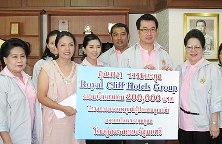 The Royal Cliff Hotels Group joined hands with other sectors and extended its sincere empathy to those affected by the current flood situation in the Kingdom, with the hope for the situation to ease and recover with the efforts that have been thoroughly undertaken by the government, private sectors and individuals. As part of the Royal Cliff's continuous Corporate Social Responsibility measures and commitment to the well-being of the affected community, the property was honoured to lend its hand by contributions in cash and kind with a genuine hope that these contributions will make the lives of those affected a little more comfortable. Royal Cliff's representatives made these donations at the various Flood Relief centers, namely the Father Ray Foundation in Pattaya City, Wat Yansangwararam, in Sattahip and in Bangkok.
