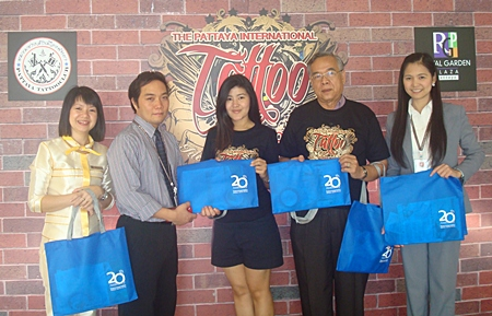 Bangkok Hospital Pattaya provided 100 information kits for the Pattaya International Tattoo Convention which was held in November at the Royal Garden Plaza Shopping Mall. This was the first cooperation between the BPH International Marketing team and the Marketing Communication Manager of Royal Garden Plaza Group.