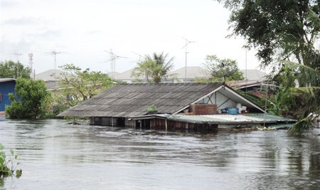 Flood waters up to the rooftops in Ayuthaya.