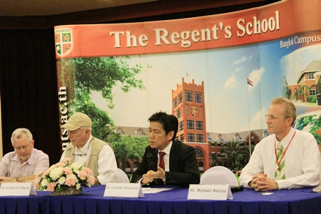 Interview with Ric O'Barry, Dr. Virachai Techavijit and Mr. Mike Walton.