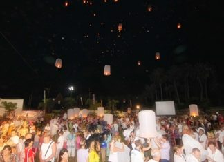 Many Russians release floating krathong lamps (khomloys) at Nong Nooch Tropical Gardens.