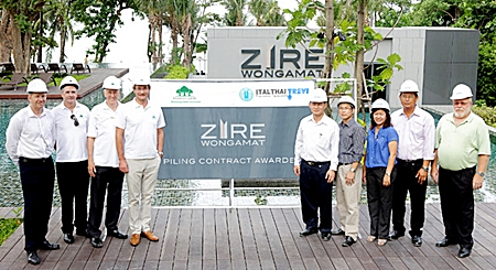 Raimon Land executives led by Hubert Viriot, CEO (4th left) mark the awarding of the piling contract for Zire Wongamat in Pattaya with Ekachai Phongphua, General Manager of Italthai Trevi Co., Ltd (5th right).