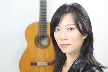 Xue Fei Yang, one of the world's finest classical guitar players, will be performing at Silver Lake on December 28.