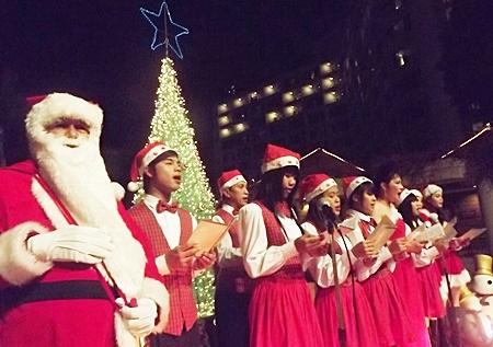 Santa joins the choir at the Montien Hotel Pattaya.