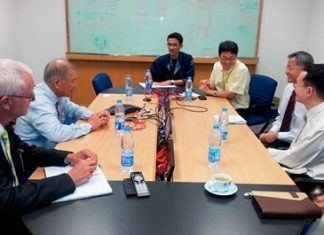 (L to R) Meeting at Celestica are Ulrich Werner (Director of International Development at Asian U), Dr. Viphandh Roengpithya (Asian U President), Ekasin Boonman (Executive Assistant to Senior VP of Asia Operation), Pichai Duangtaweesub (Senior Vice-President of Asia Operation), Dr. Apichat Tungthangthum (Dean Faculty of Engineering & Technology at Asian U), Assoc. Prof. Dr. Danai Torrungrueng (Assoc. Dean Faculty of Engineering & Technology at Asian U). Not in the photo are Panit Nilubol (Vice-President Asian U), Chinnawut Panyapatchoto (Senior Test Engineer), and Teerad Sengphairogh (Celestica HR).