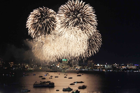 Fireworks light up Pattaya Bay during last year's event.