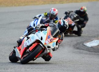 Ben Fortt (40) takes a left hand bend at the Bira International Circuit in Pattaya, Sunday, Dec. 25. (Photo/P Champ)