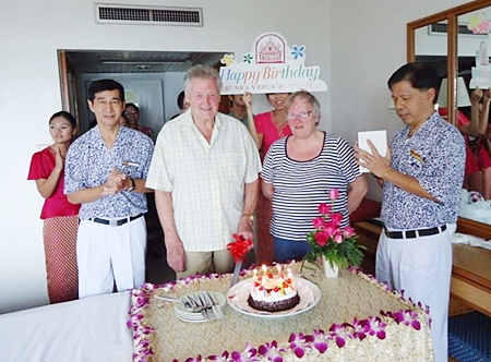 Regular guest Barry Taylor was treated to a lovely birthday cake during a small party held by the staff of the Montien Hotel, Pattaya on the occasion of his 75th birthday recently.