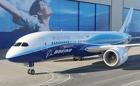 The Boeing 787 Dreamliner has arrived in Thailand.