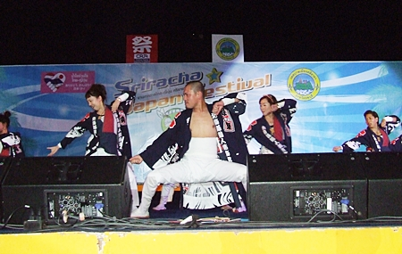 Japanese martial arts are always popular stage performances.