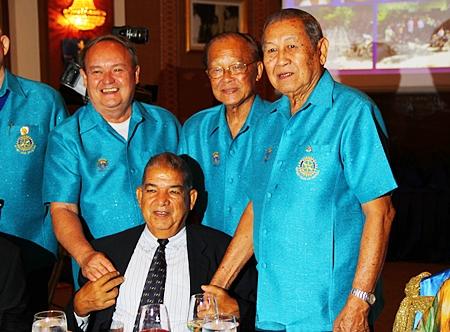 PDG Chow Nararidh holds court with PDG Premprecha Dibbayawan, PDG Jin Srikasikorn and P. Malakul.