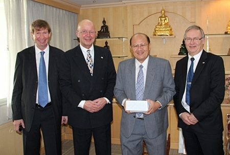 (L to R) Jan Olav Aamlid, senior adviser to the Mint of Norway; Jan-Eirik Hansen, CEO of the Mint of Norway; Dr. Naris Chaiyasoot, Director General of the Treasure Department and Kjell Wessel, manager of sales and marketing of Mint of Norway.