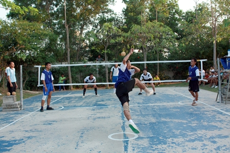 Sepak takraw will be one of the sports taught at the open Sports Clinic 2012.