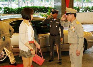 HRH Princess Ubolratana Rajakanya receives a royal welcome as she arrives at the Ambassador City Jomtien Hotel.