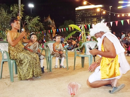 Actors perform a skit from Kanhachalee, ancient Thai literature.