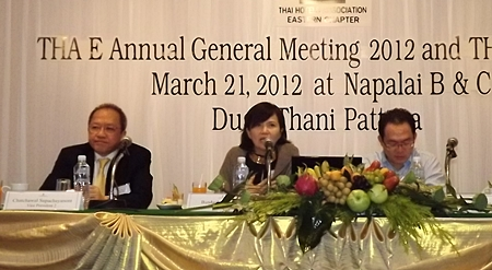 (L to R) Chatchawan Supachayanont, Bundarik Kusolvitya, and Thanet Supornsahatrangsi announce plans for the year ahead.