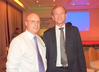 David Cumming, general manager of Amari Orchid Pattaya, and Simon Landy, chairman of the British Chamber of Commerce Thailand.