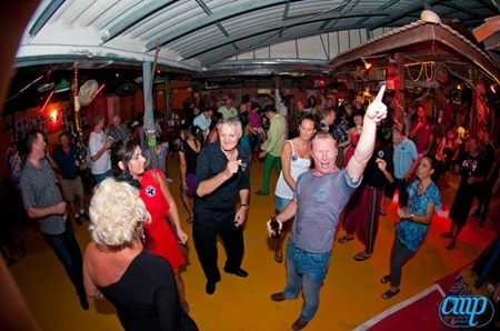 Steve (Murphys Law), Eva Johnson, Danielle Aqualina, Johnny Diamond (105 FM), Dean Bridge and Margie Grainger (Hand to Hand) dance the evening away.