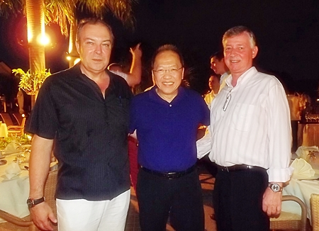 (L to R) Rene Pisters greets Chatchawal Supachayanont and Hans Banzinger.
