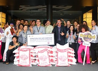 The Hard Rock Hotel donates a ton of rice to Pattaya Musicians 4 Charity to go towards the Father Ray Foundation's S.O.S. Rice appeal.