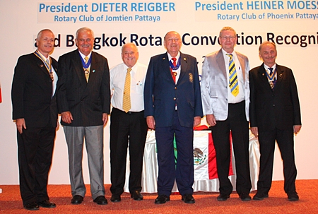 The new board members of the Rotary Club of Phoenix Pattaya.